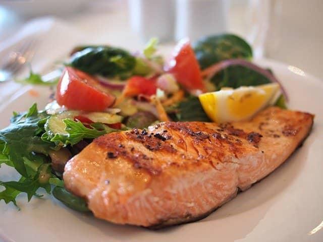 meal idea - salmon and salad